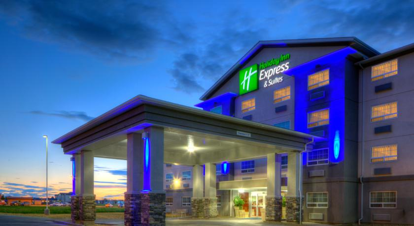 Holiday Inn Suites.jpg